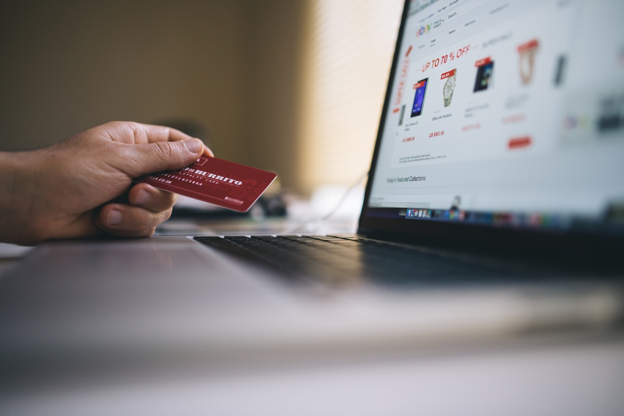 8 Ways To Boost Your Ecommerce Traffic & Sales